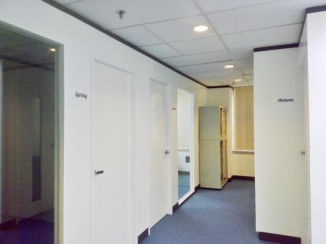 Office_Space_02_4_Seasons_Conference_Rooms.jpeg