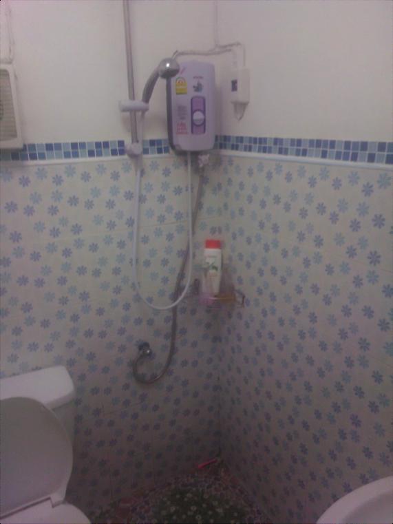 thailand shampoo buyer Walid bathroom