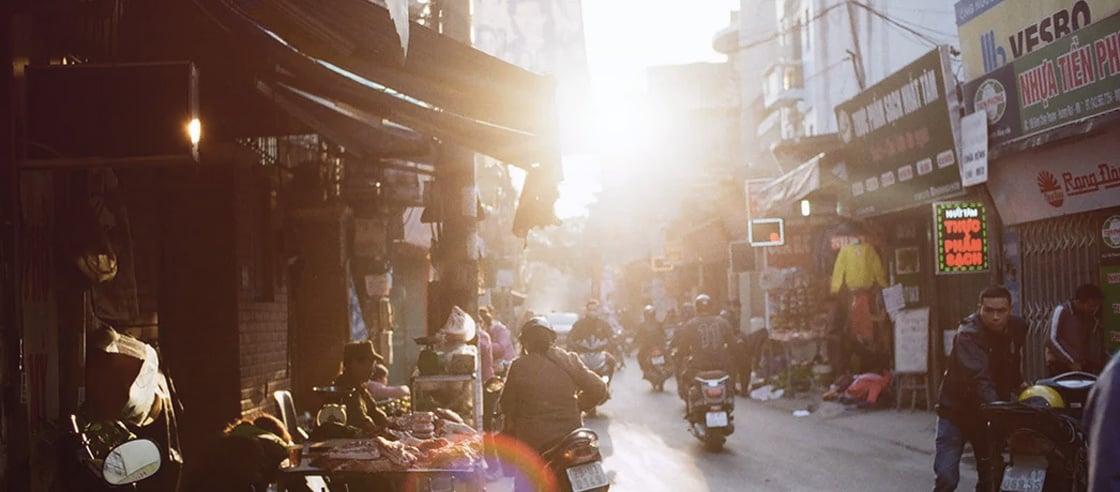 202103_bg_how-vietnam-weathered-2020s-economic-storm